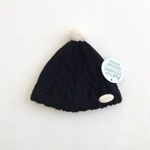 JJ Cole NWT black cable knit beanie fits 12-18m
